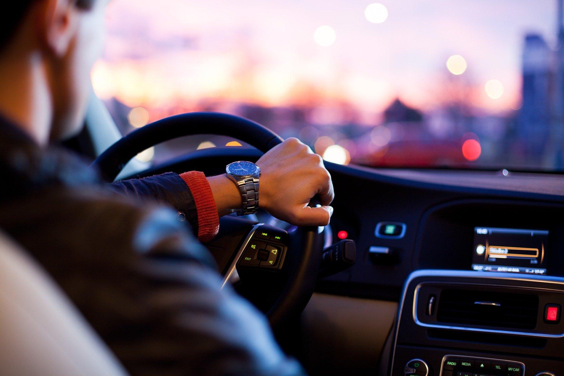 Jak samodzielnie wygłuszyć swój samochód?